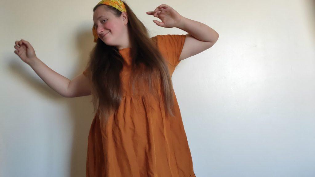 Лена танцует свой happy dance